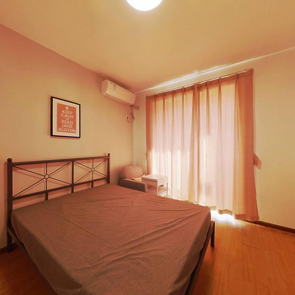 合租·静德花园 4室1厅 南卧室图