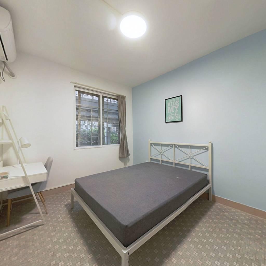合租·中山一路 3室1厅 南卧室图
