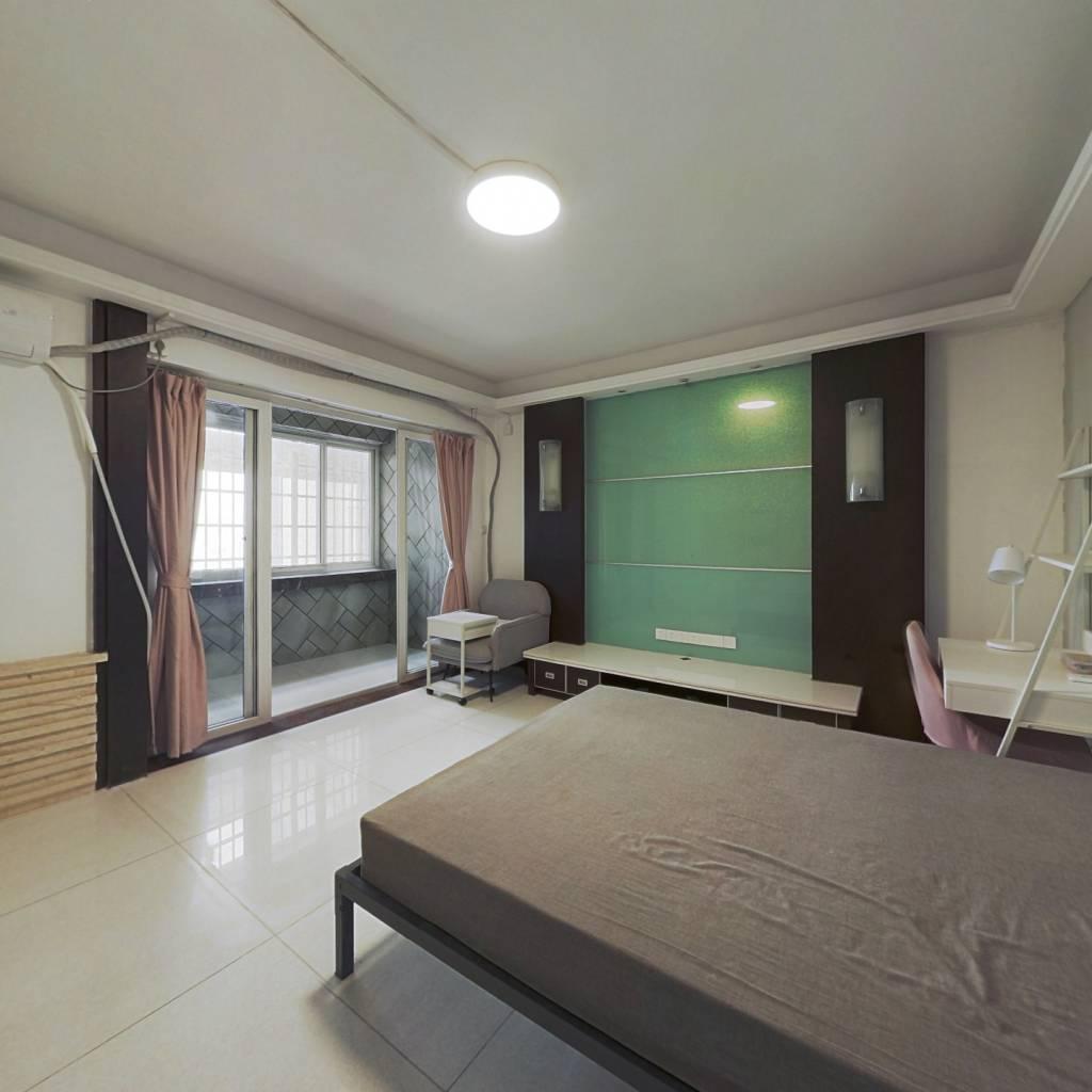 合租·云鹤园 4室1厅 北卧室图