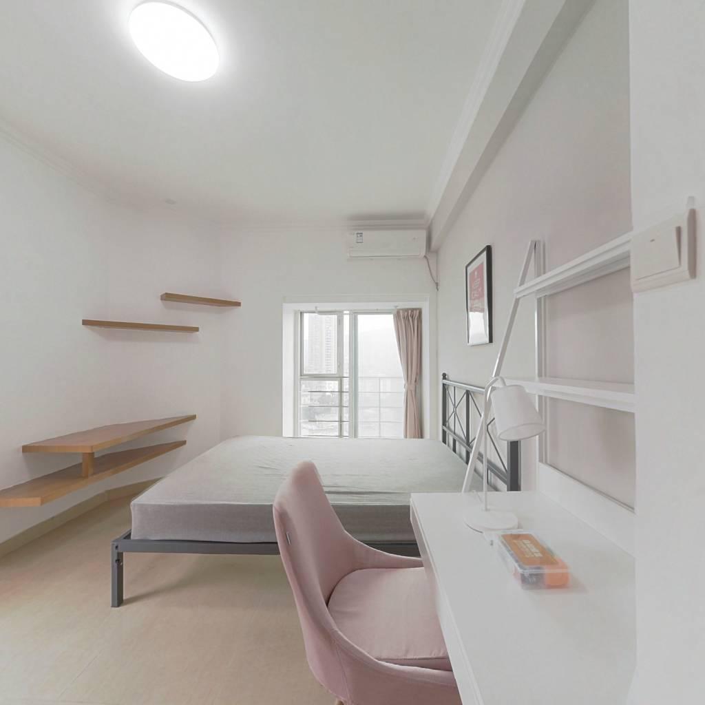 合租·美杜兰华庭 4室1厅 西卧室图