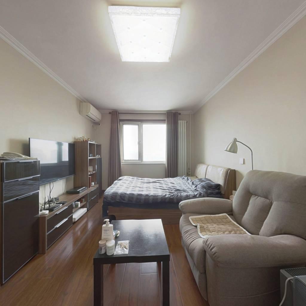 西坝河南里 双南向 精装修 带客厅 满五年唯一