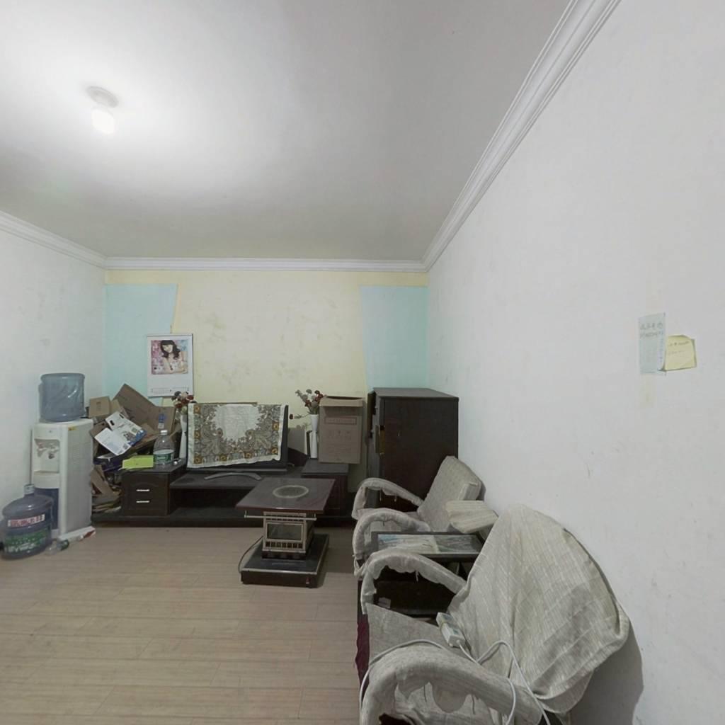 出售龚北路两室一厅,户型方正,需全款