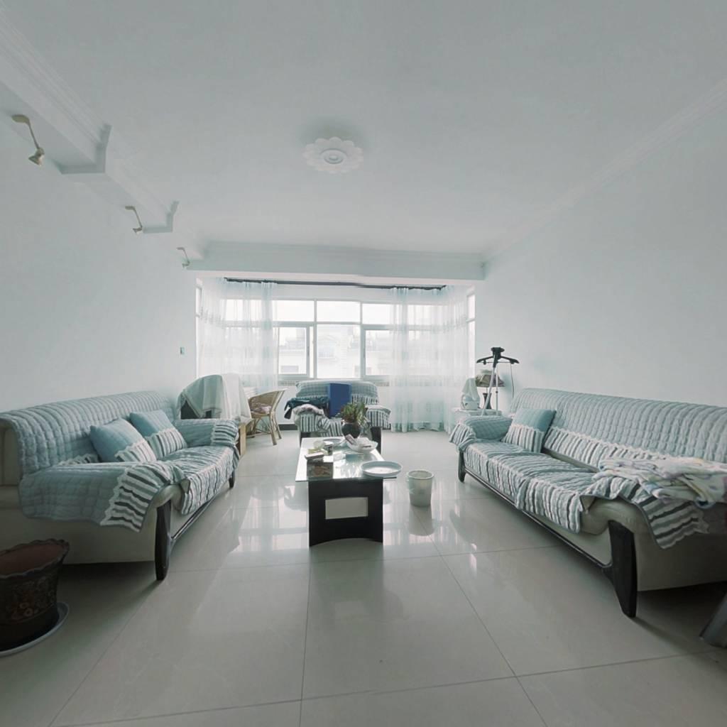 宝兴花园 3室2厅 精装好房 看房方便 价格可谈