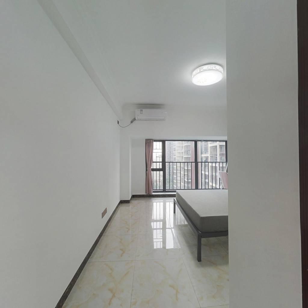 合租·信义嘉御山 5室1厅 南卧室图