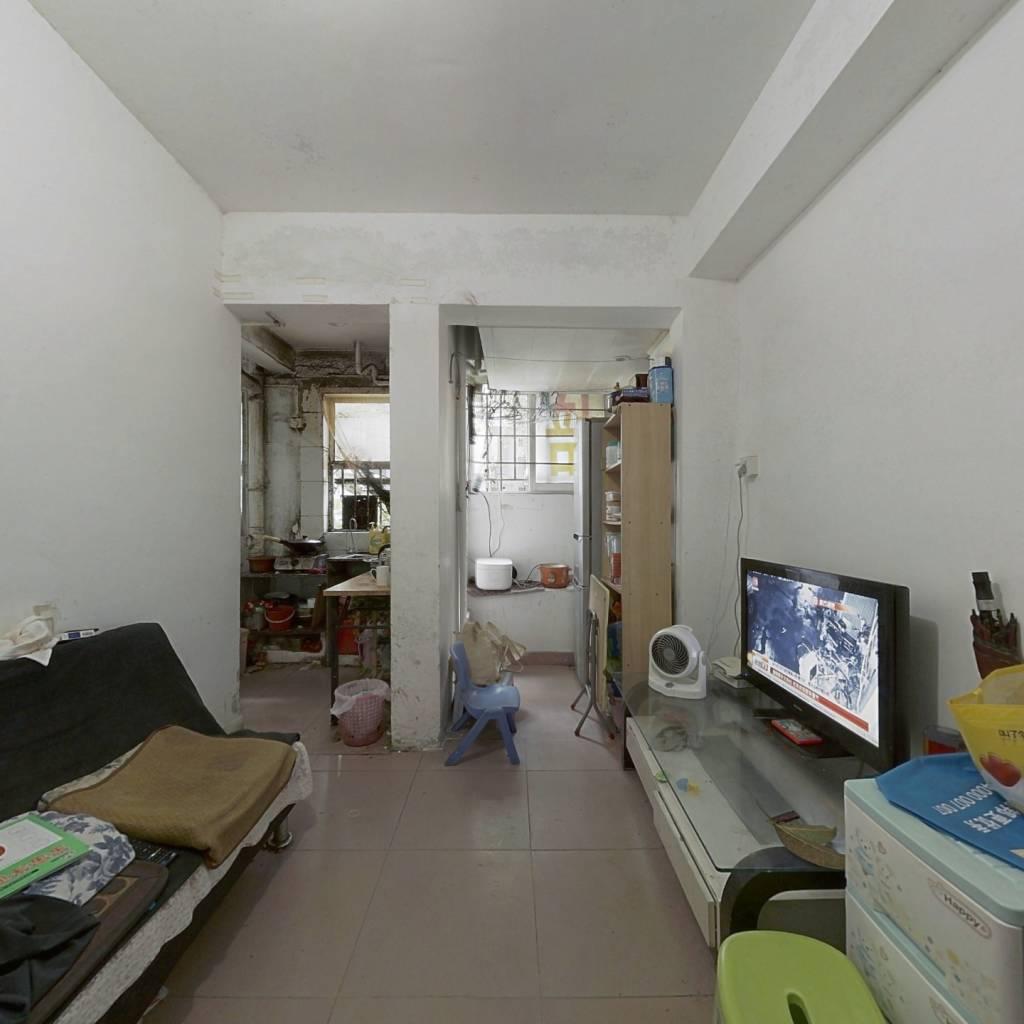 盐田沙头角梧桐山下华逸园低楼层两居室满二年
