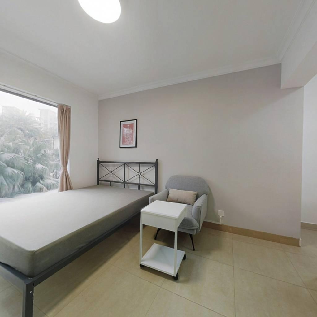 合租·中海康城 4室1厅 东卧室图