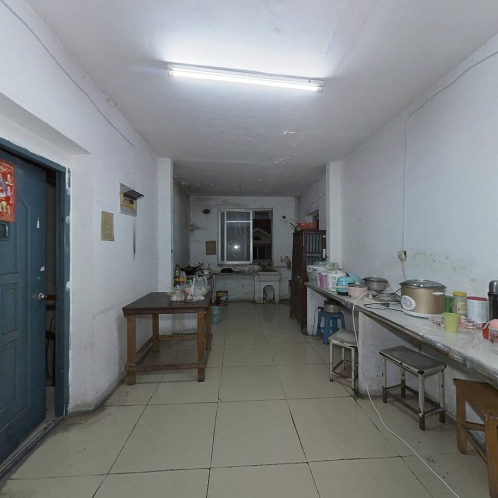 鸿福苑 大三室 采光通透 位置好 看房方便