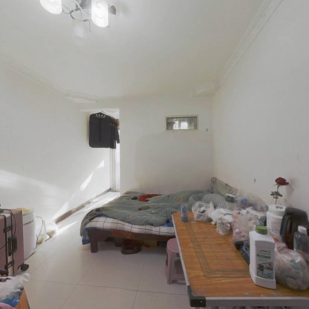 加州阳光新城 1室0厅 东南 南