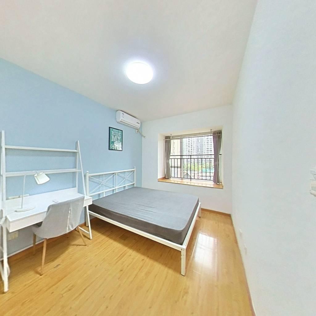 合租·蓝光COCO蜜城 3室1厅 西卧室图
