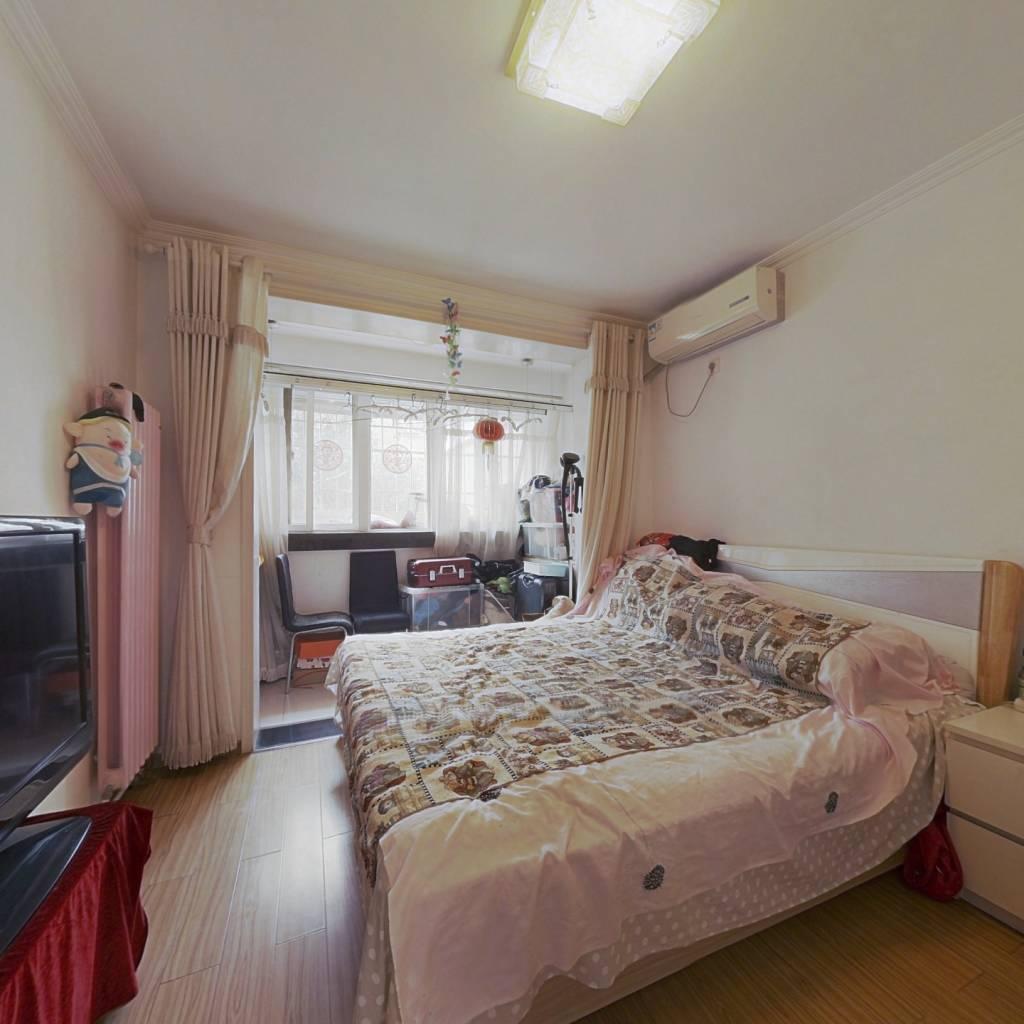 海淀门头馨村两居室,位于一层,房本满两年