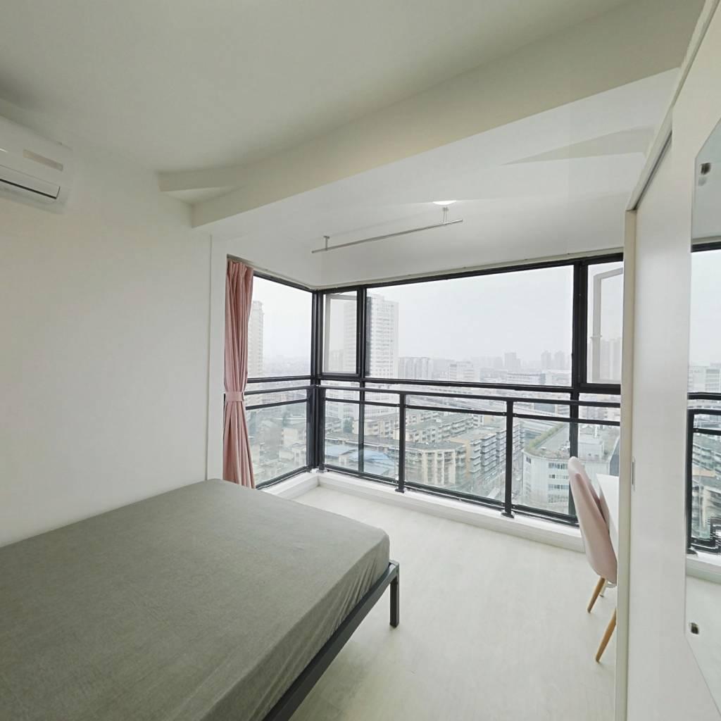 合租·朝阳朗香广场 3室1厅 西卧室图