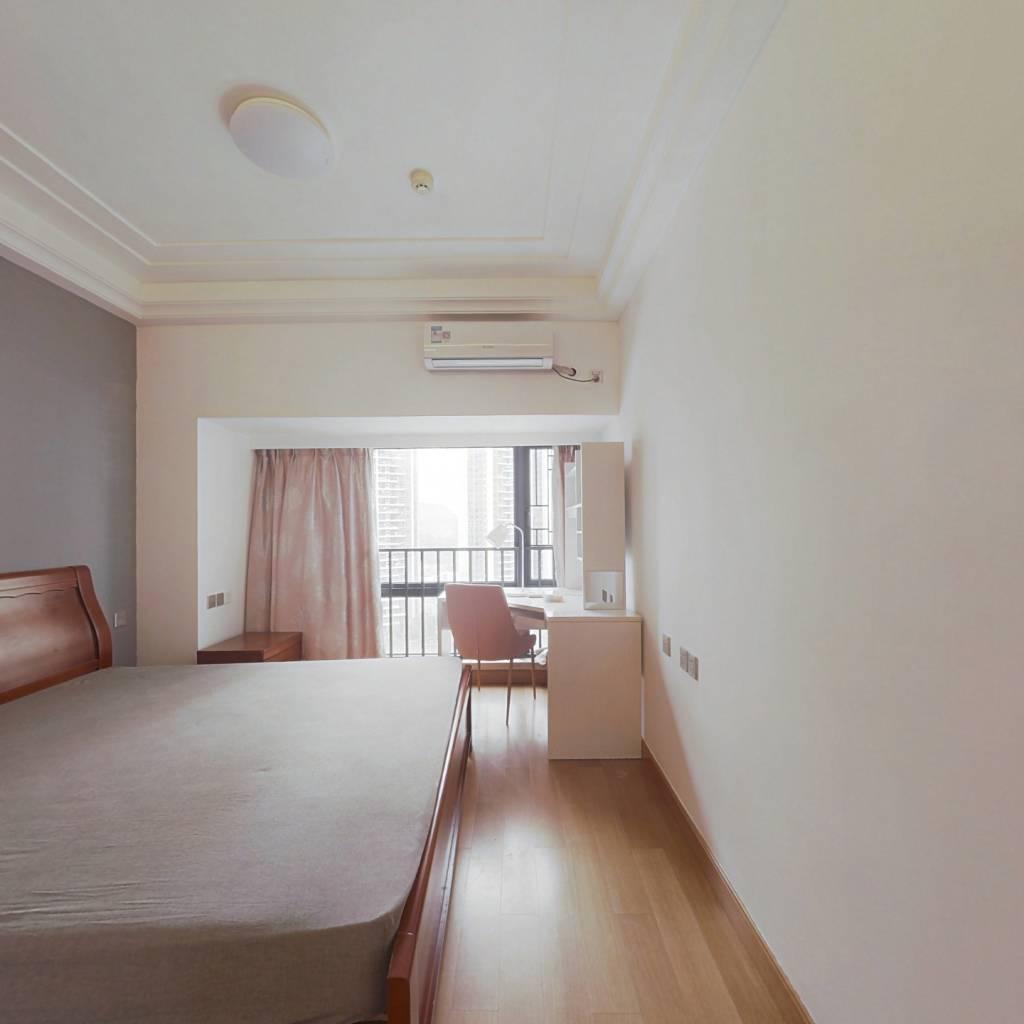 合租·佳兆业中央广场一期 4室1厅 北卧室图