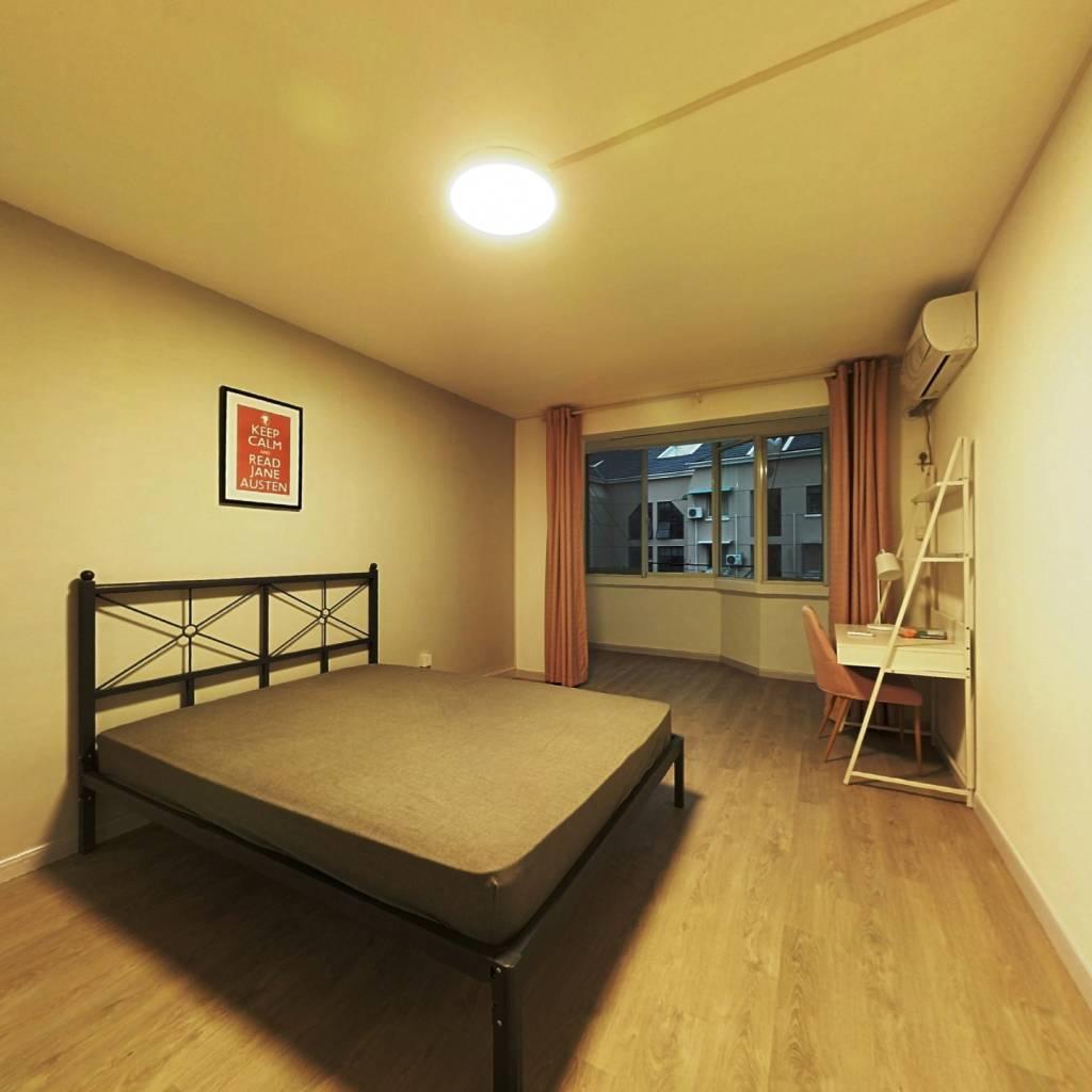 合租·锦苑小区(虹口) 2室1厅 南卧室图