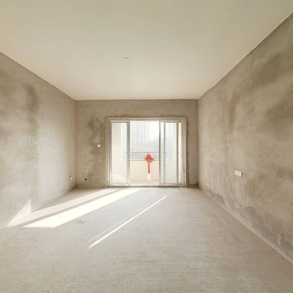 阳光城大道 清水四室洋房 提前联系可以看房