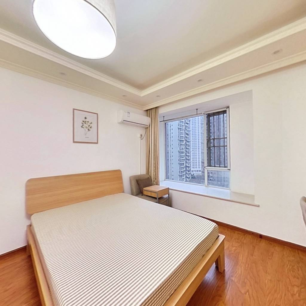合租·镏金岁月 4室1厅 南卧室图