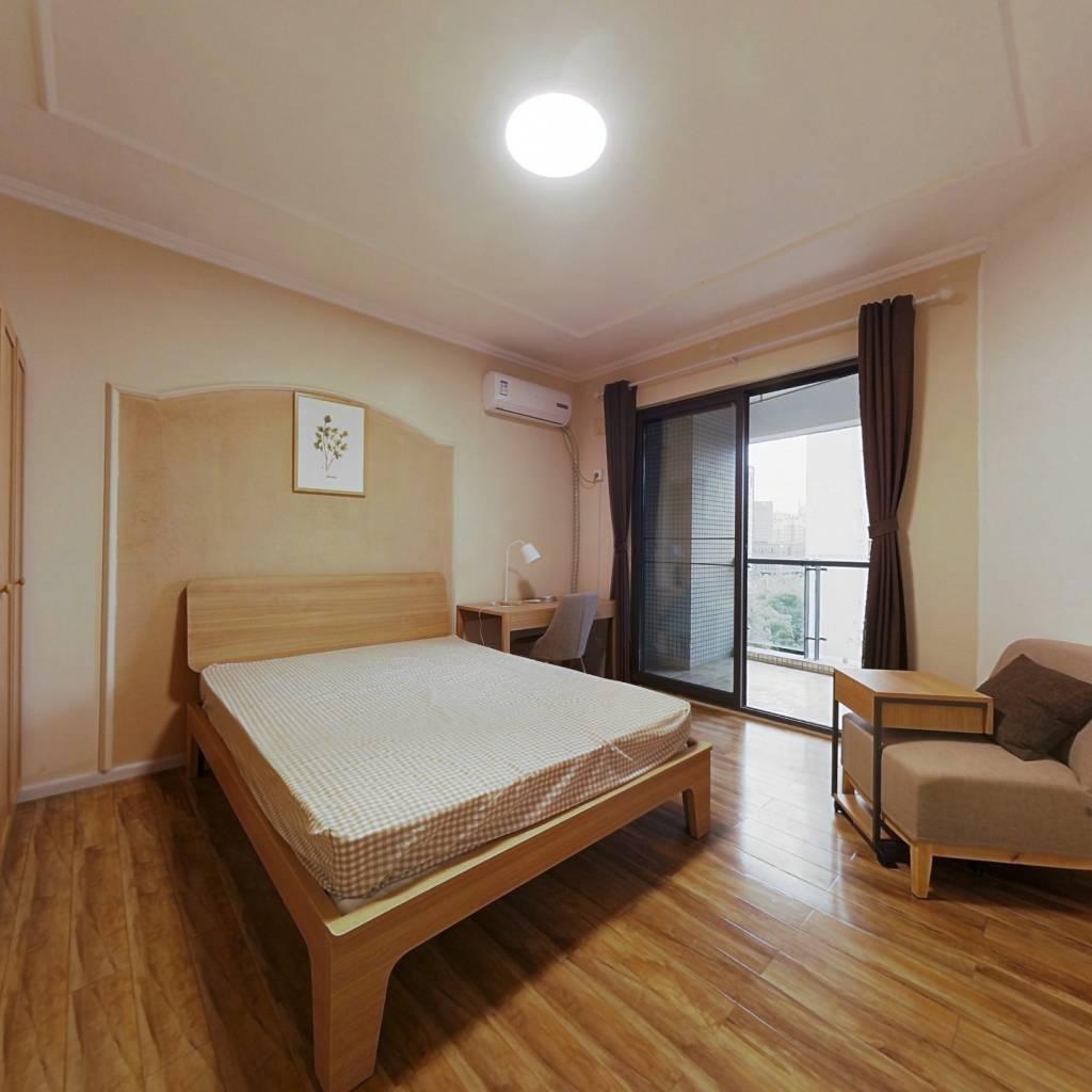 合租·英郡一期 4室1厅 东南卧室图