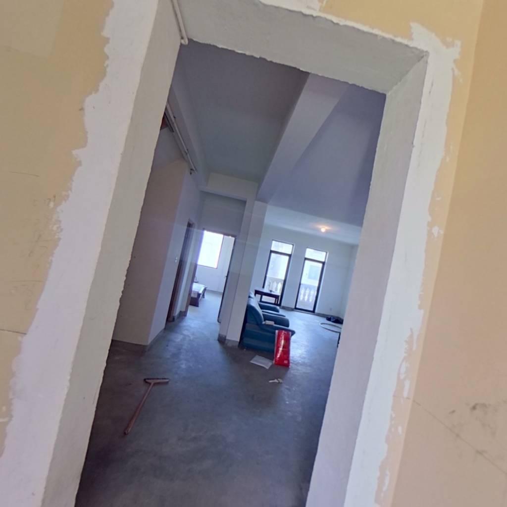 整租·绿地凯旋宫(公寓) 4室2厅 南
