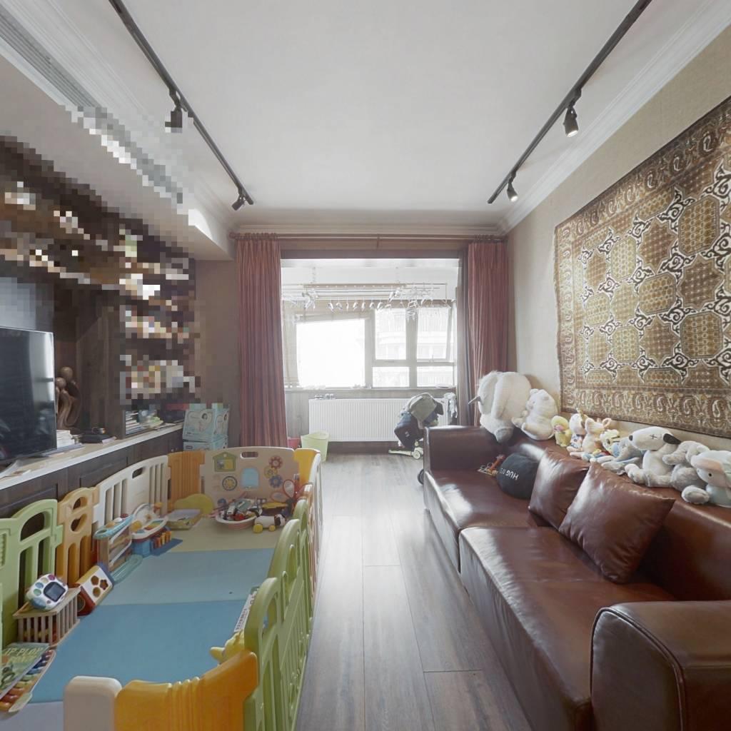 婚房装修+地铁沿线+高区楼层+采光无挡+诚意出售