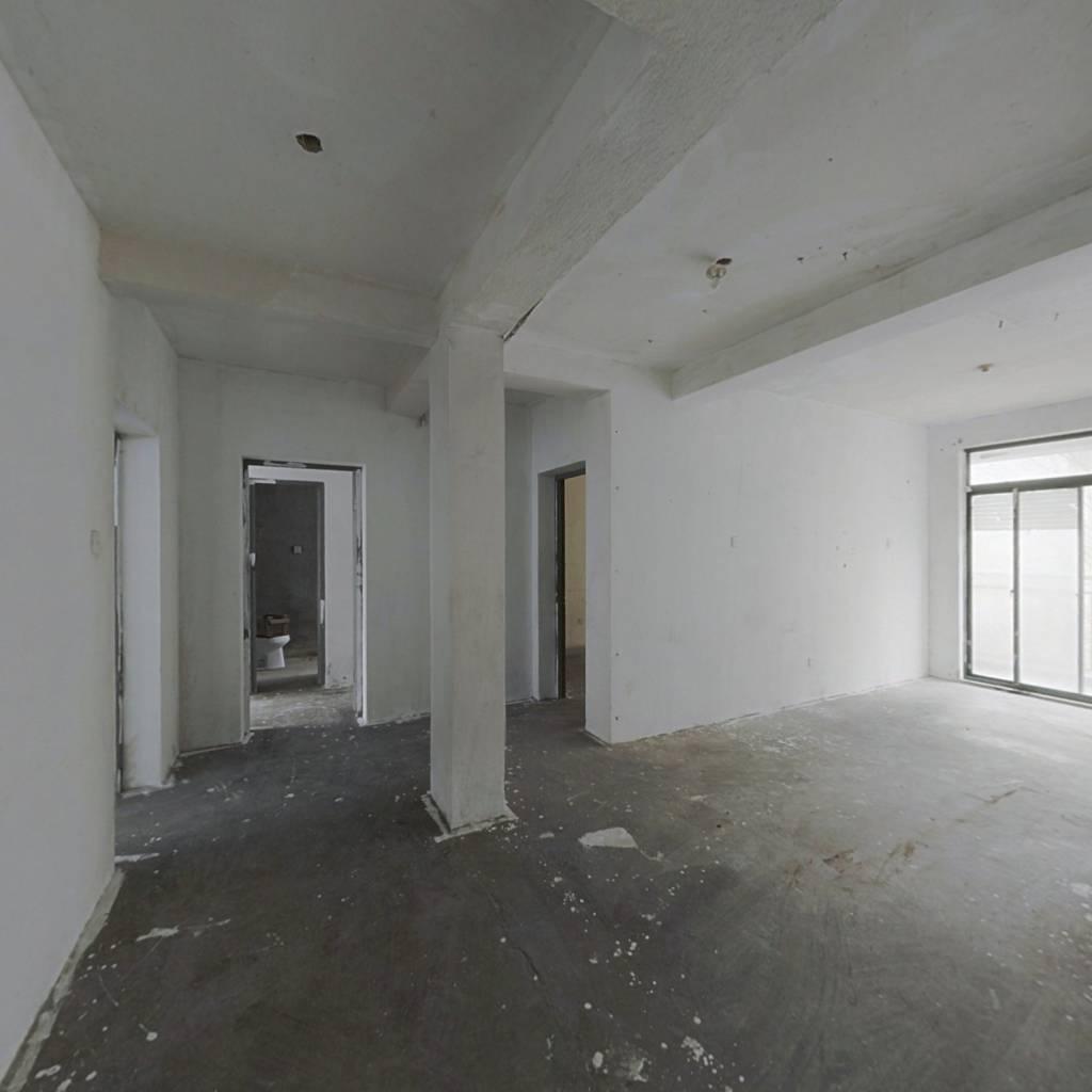 落霞苑第三社区 4室1厅 南