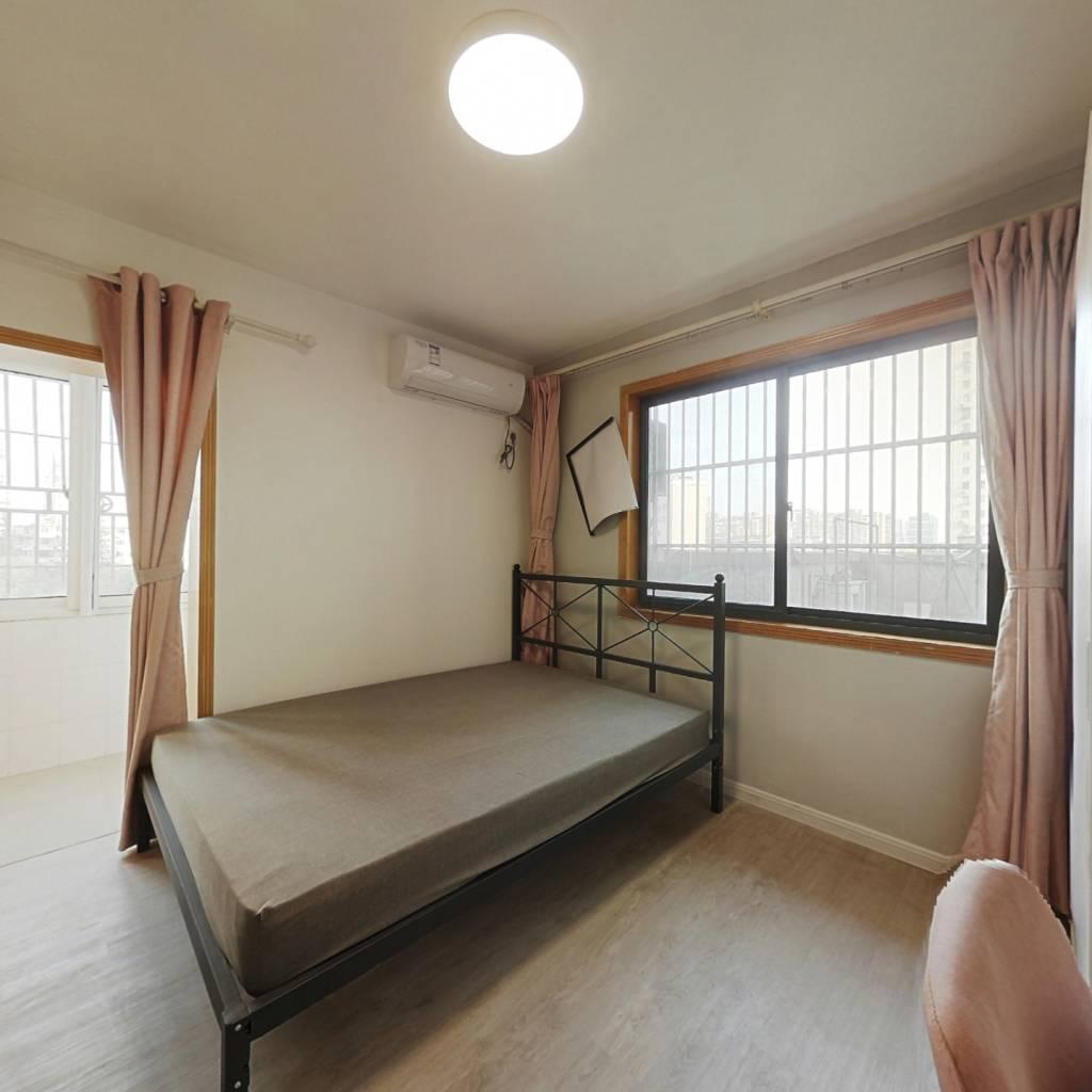 合租·金鹏花园 3室1厅 东卧室图