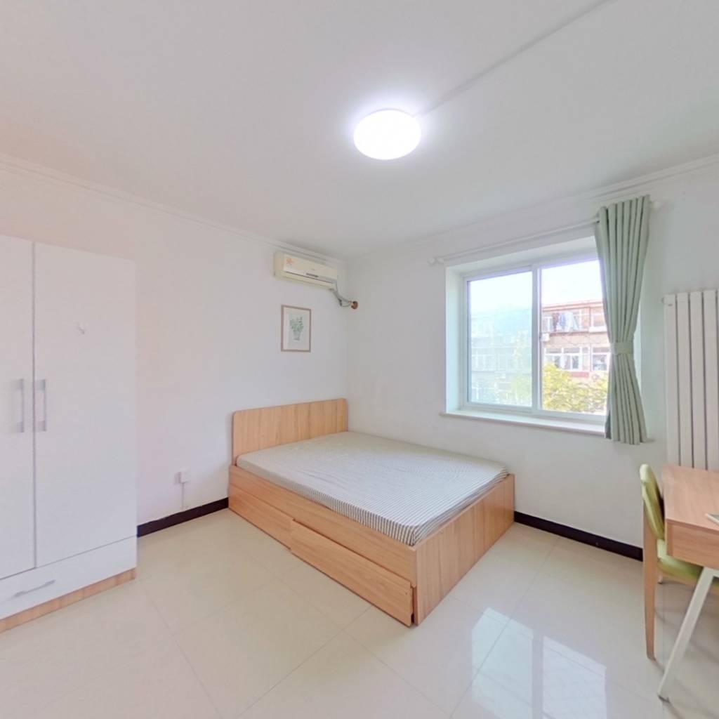 合租·十万坪 2室1厅 南卧室图