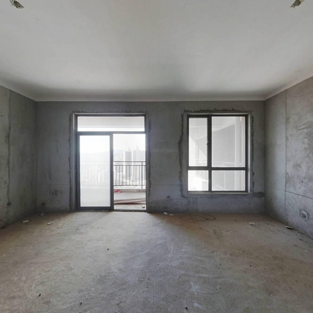 浩龙音乐界 5室2厅 73.8万