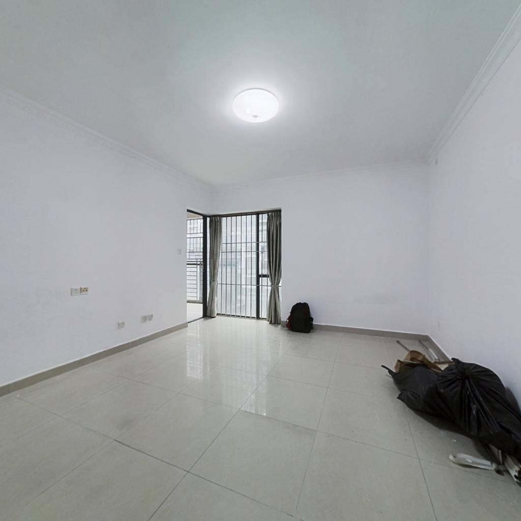 超高笋盘 龙城广场地铁口 大3房2卫 有钥匙看房