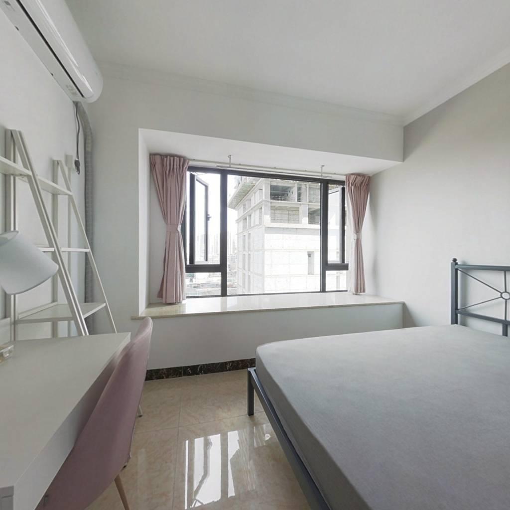 合租·央湖名邸二期 3室1厅 北卧室图