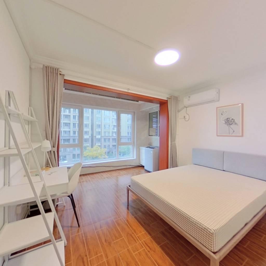 合租·兰花村 4室1厅 北卧室图