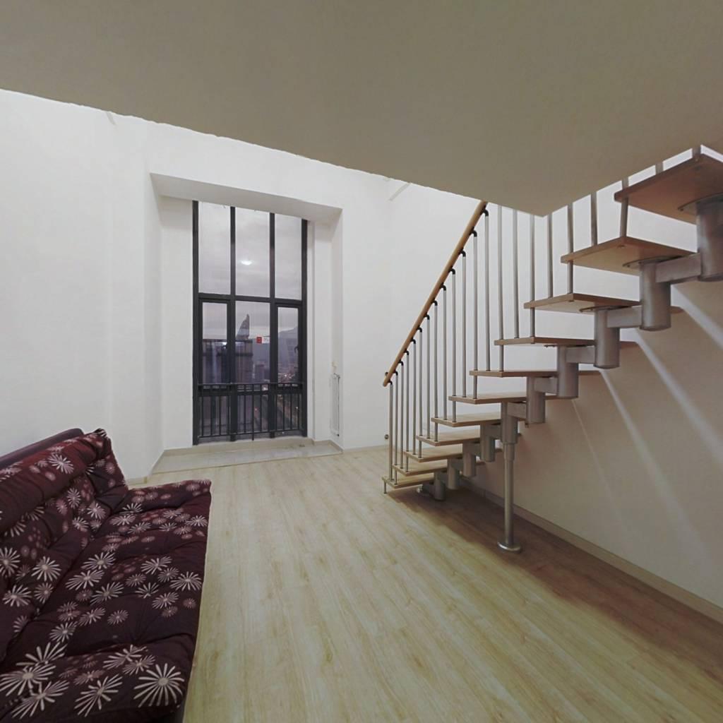 :复式单身公寓 精装修拎包入住   阳光城物业好