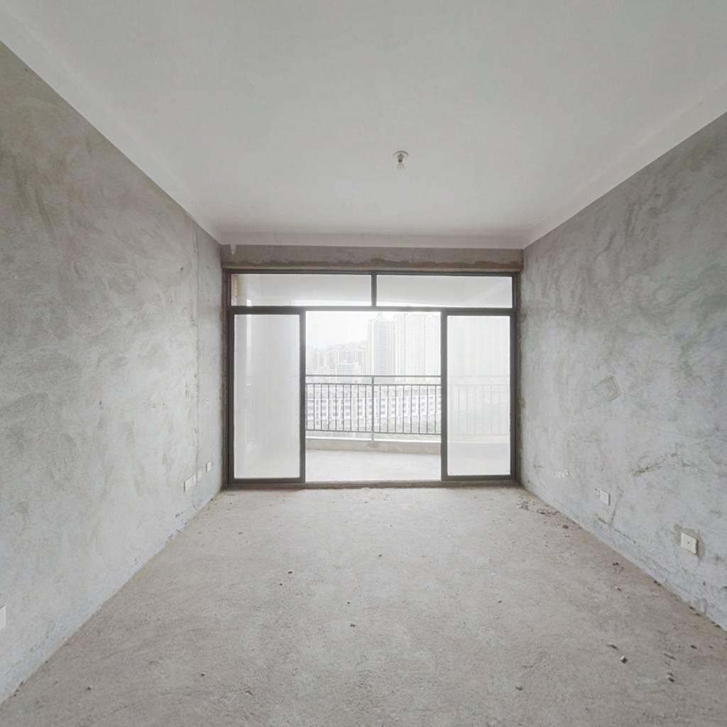 户型周正房间采光都比较好,居家装修即买即住。