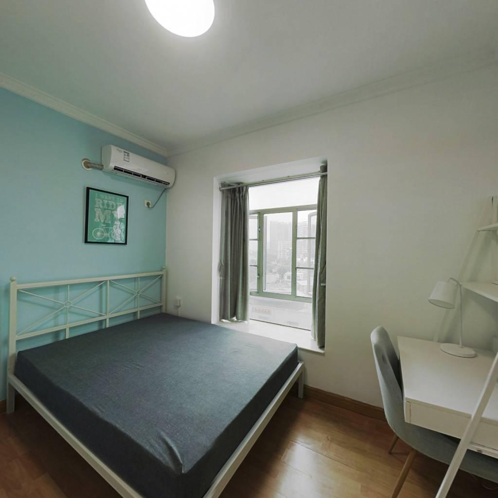 合租·金碧花园第一金碧 4室1厅 东卧室图