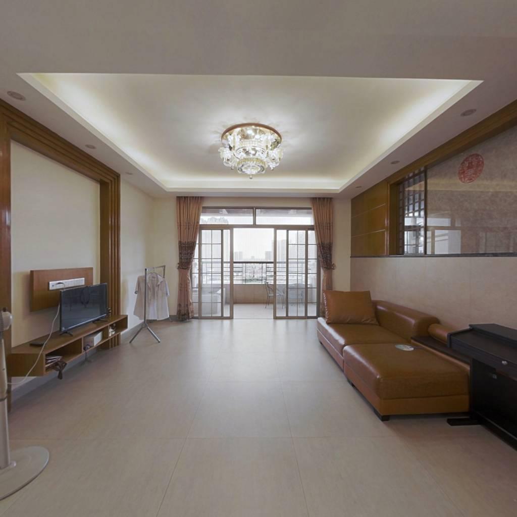 天湖郦都二期 电梯三房 业主诚心出售 看房方便