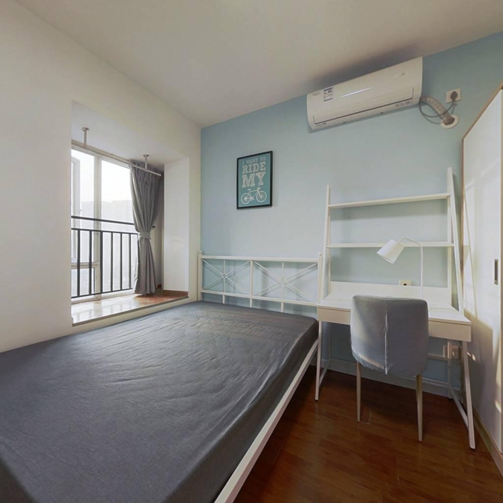 合租·蓝光COCO时代 4室1厅 西卧室图
