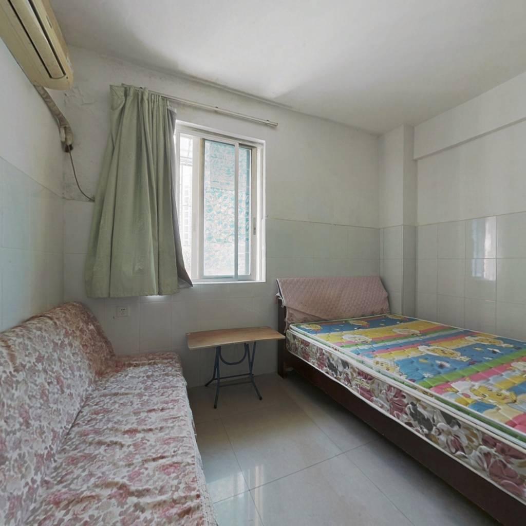 一房仅需十六万,小区安静,生活便利