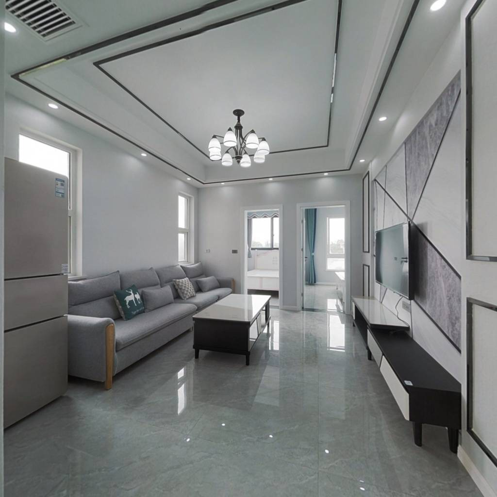 合川新车站阳光美庐 精装3房 户型采光佳 带全套家俱