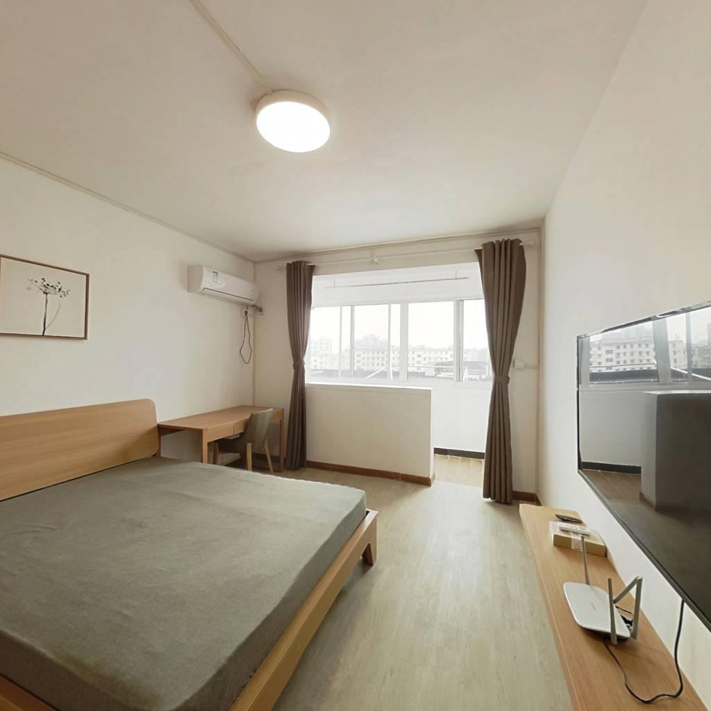 整租·三门路358弄 1室1厅 南北卧室图