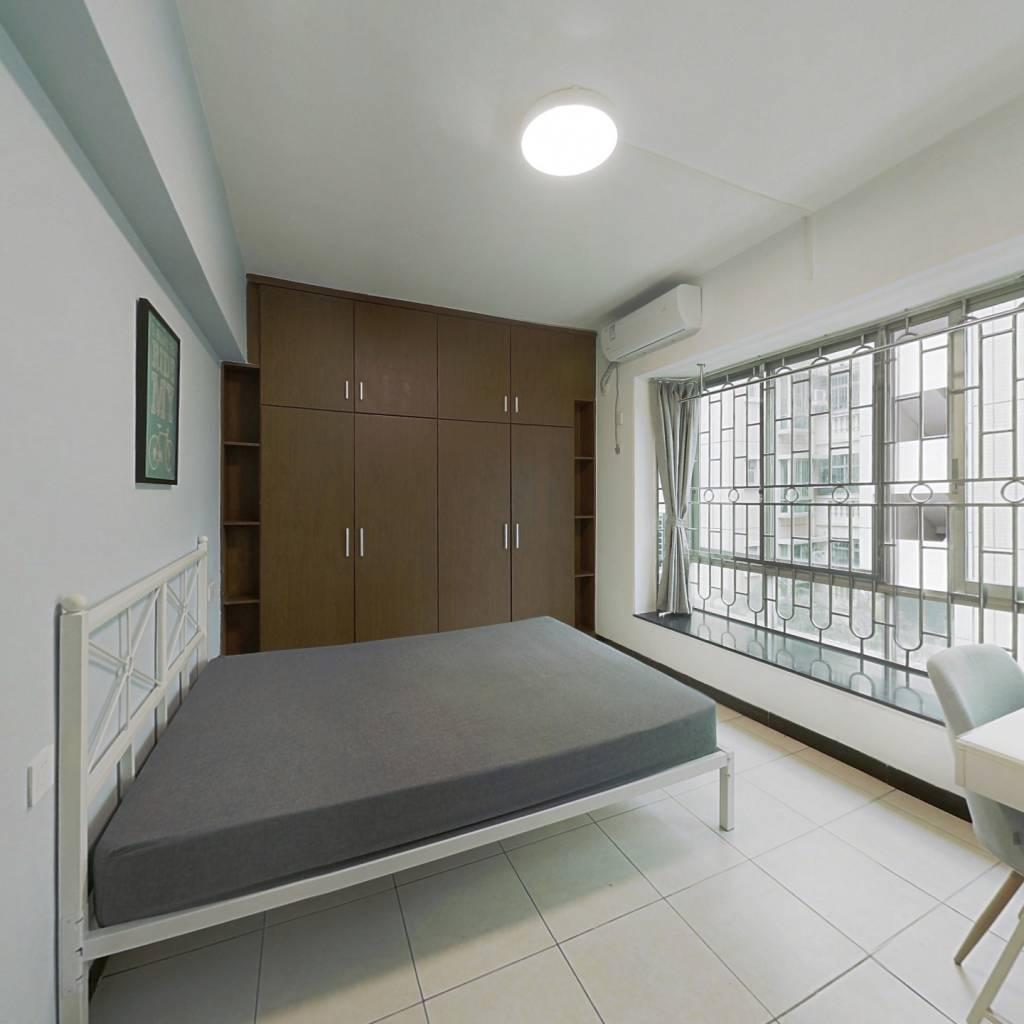 合租·东怡新区东雅园 4室1厅 东卧室图