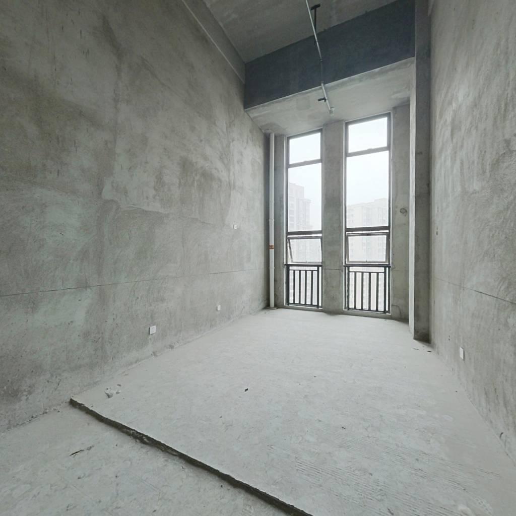 低总价 loft公寓 看房方便 可随时签约