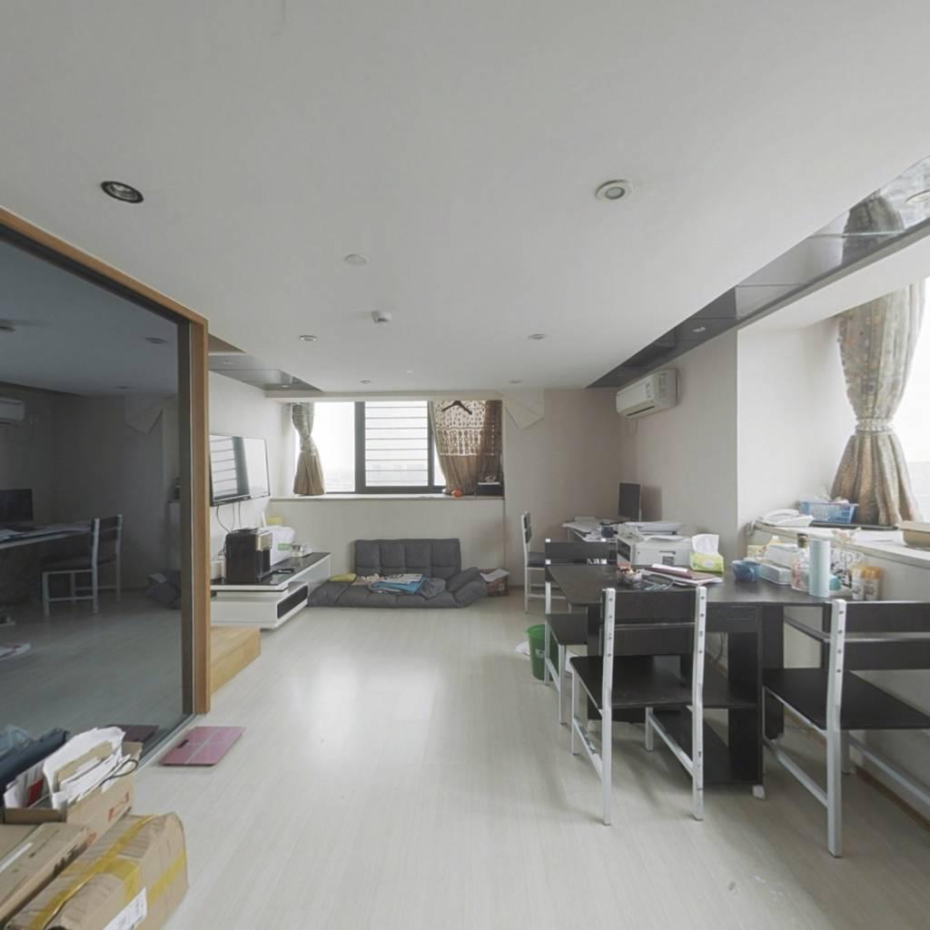 明海公寓 房东诚心出售 随时方便看房
