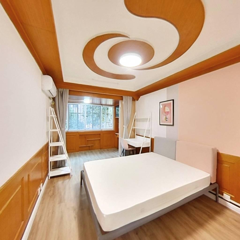 合租·古荡新村西区 3室1厅 南卧室图