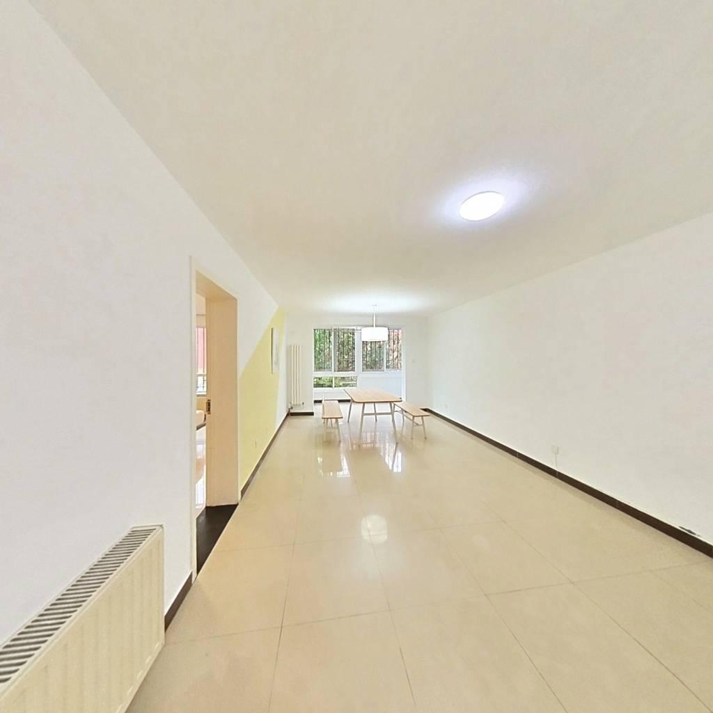 合租·龙跃苑四区 2室1厅 北卧室图