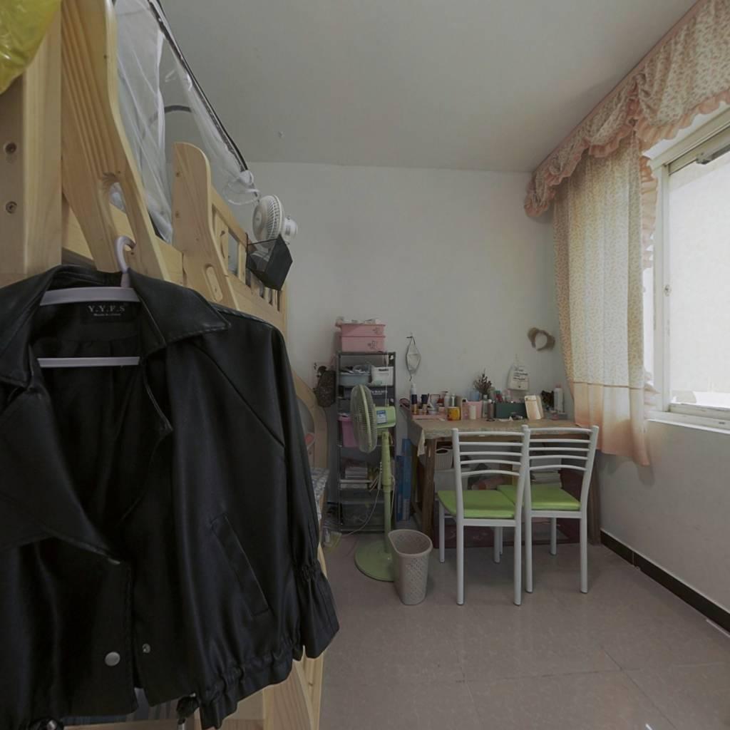 乐客来精装公寓, 户型方正,带燃气