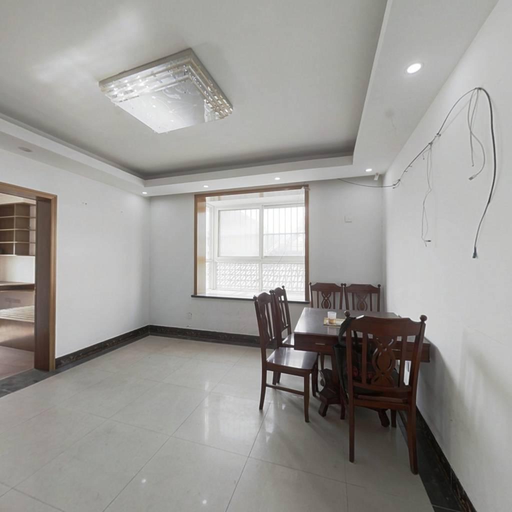 编钟公寓 中装三房 好楼层 带储藏室 交通配套齐