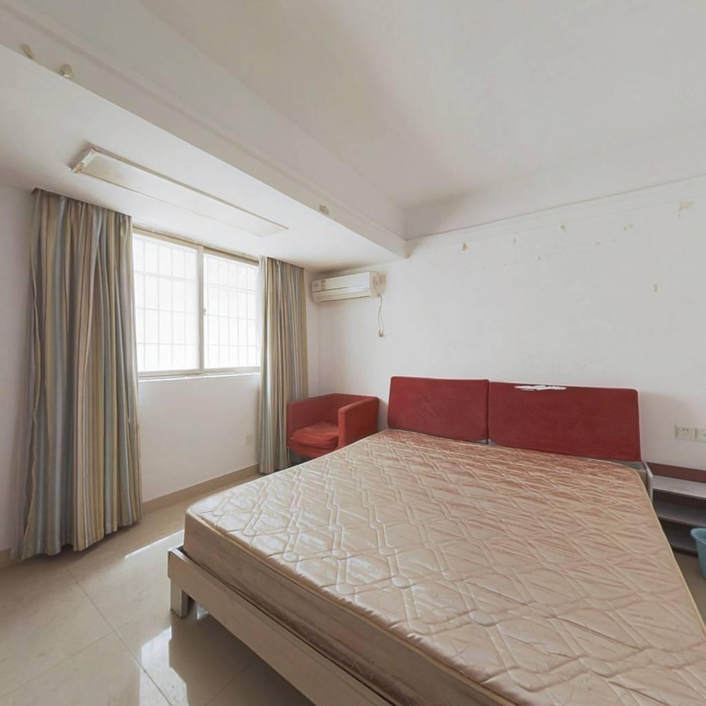 豪派特服务公寓 1室0厅 西