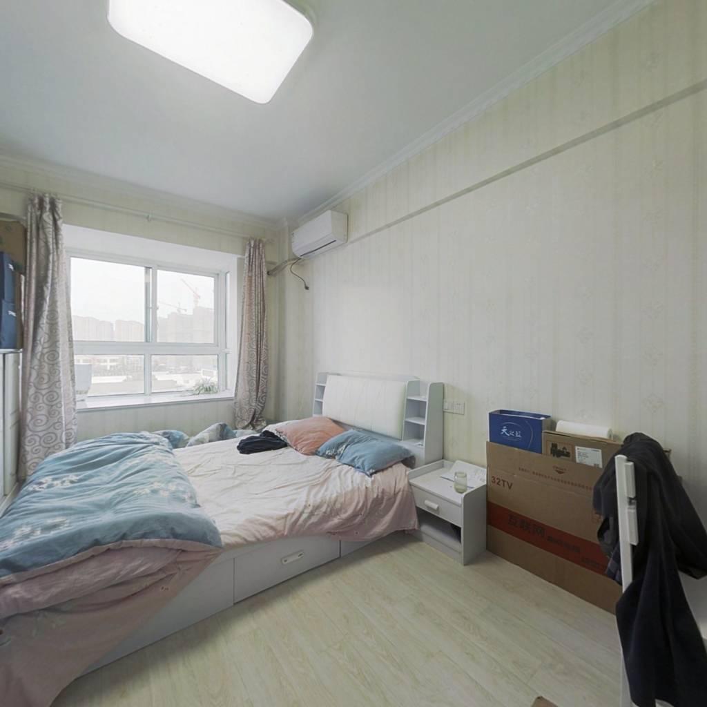 此房公寓 简单装修 东北朝向 楼层好 交通购物便利