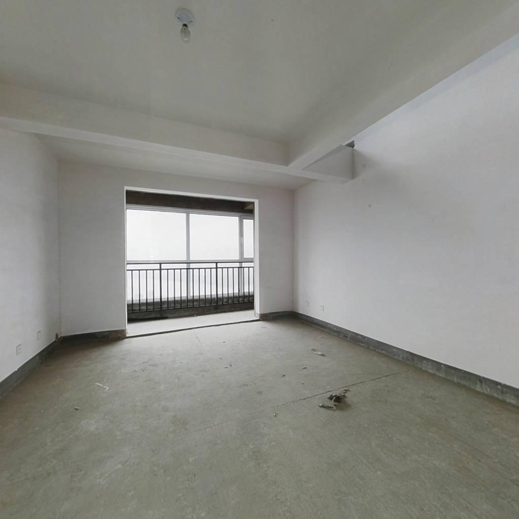 尊贵空中别墅 带大露台 带车位 上下两层看半个临沂
