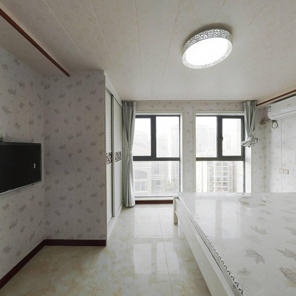 城南银泰城东面。精装修复式公寓单价5000