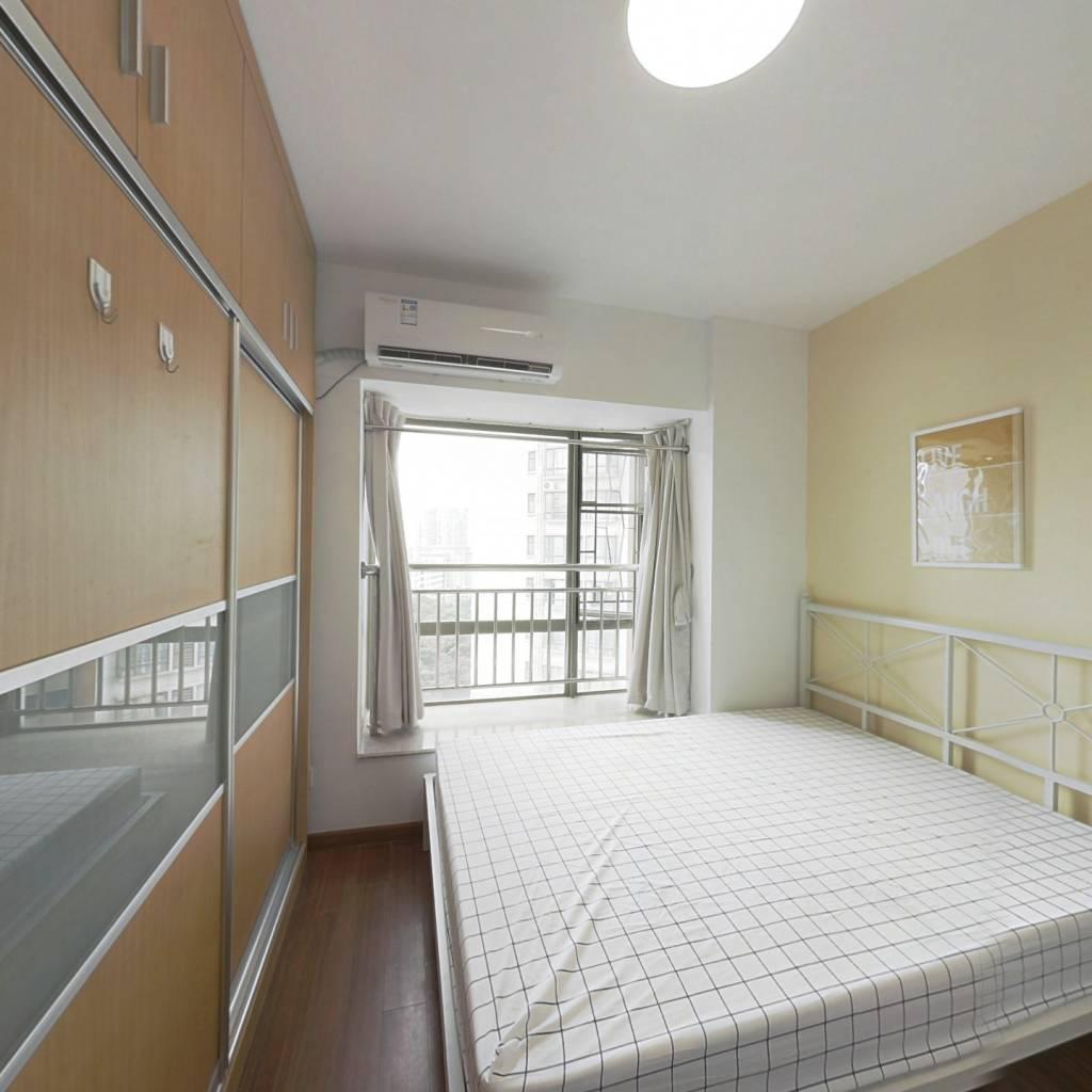 合租·天河峰景大厦 4室1厅 西卧室图