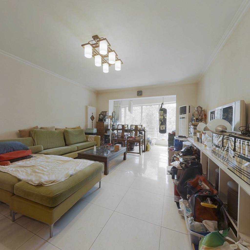 满五年北京家庭一套住房,全南三居,带保姆间